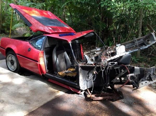 В США разбитый BMW М1 продали за 125 000 долларов