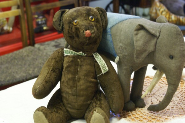 Питерцы увидят детские игрушки времён войны