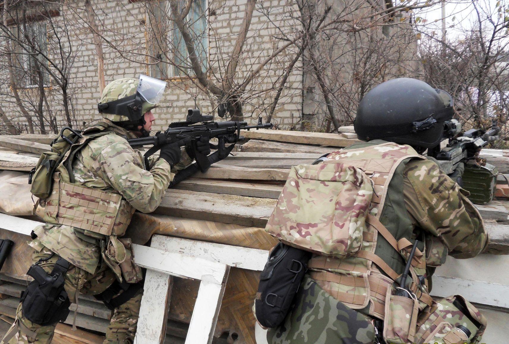 В Нальчике идет бой: спецслужбы уже уничтожили 2 боевиков