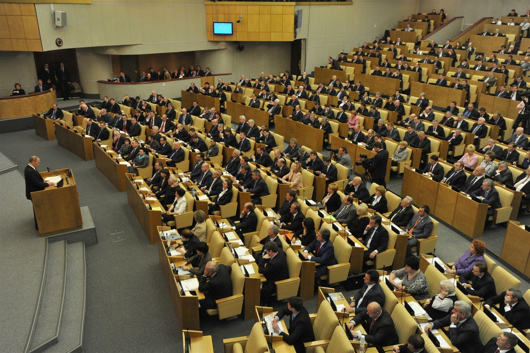 Госдума приняла закон об ограничении ложных данных в поисковиках