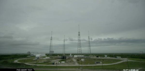 NASA и SpaceX провели тестовый запуск системы аварийного спасения