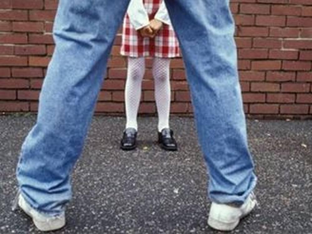 Извращение голых школьников фото 226-483