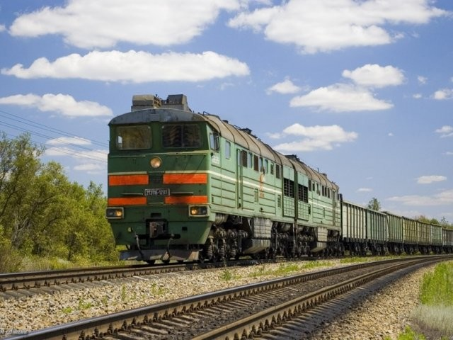 В Белгородской области сошли с рельсов 17 вагонов грузового поезда