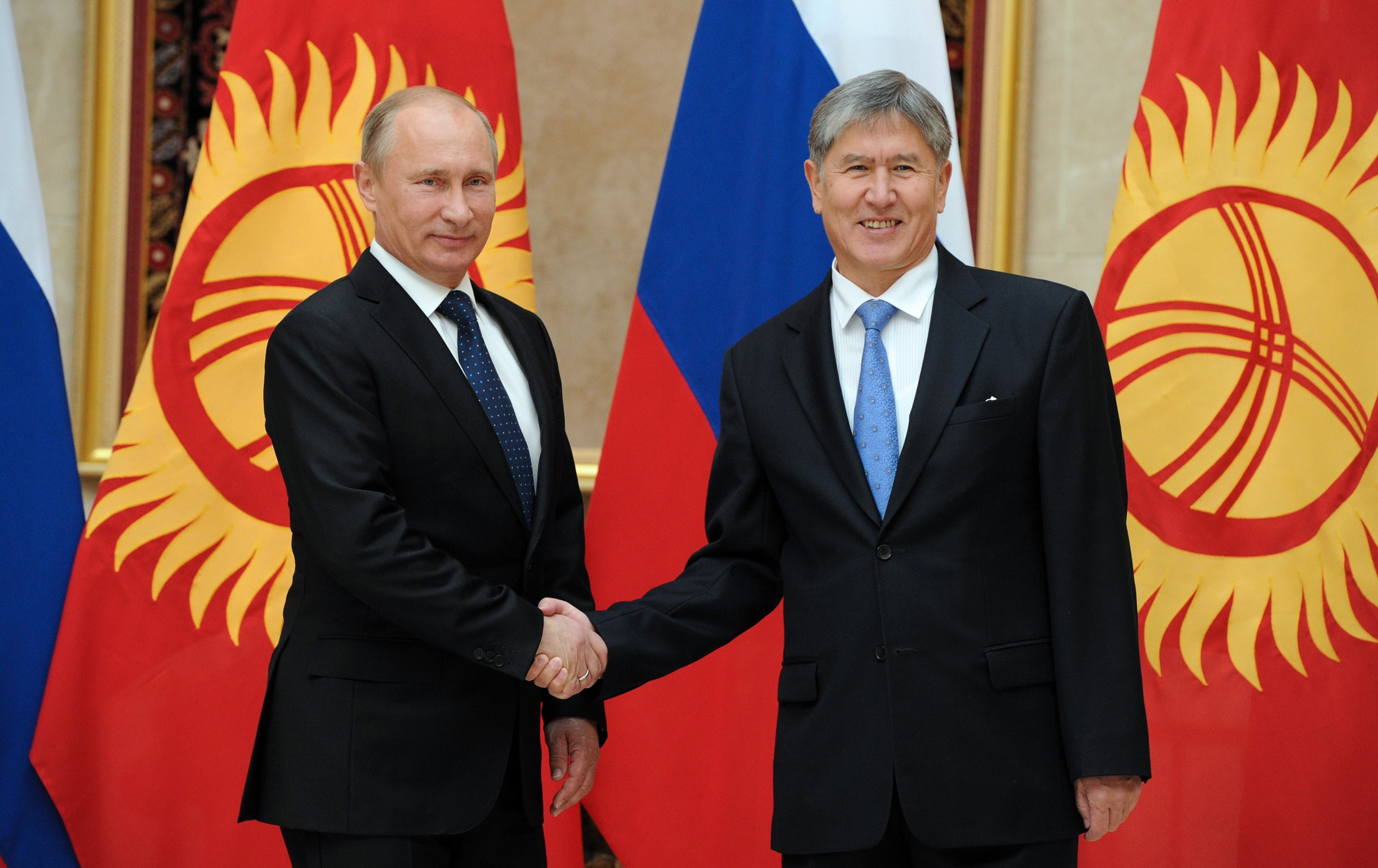 Путин обсудил с Атамбаевым вступление Киргизии в ЕАЭС