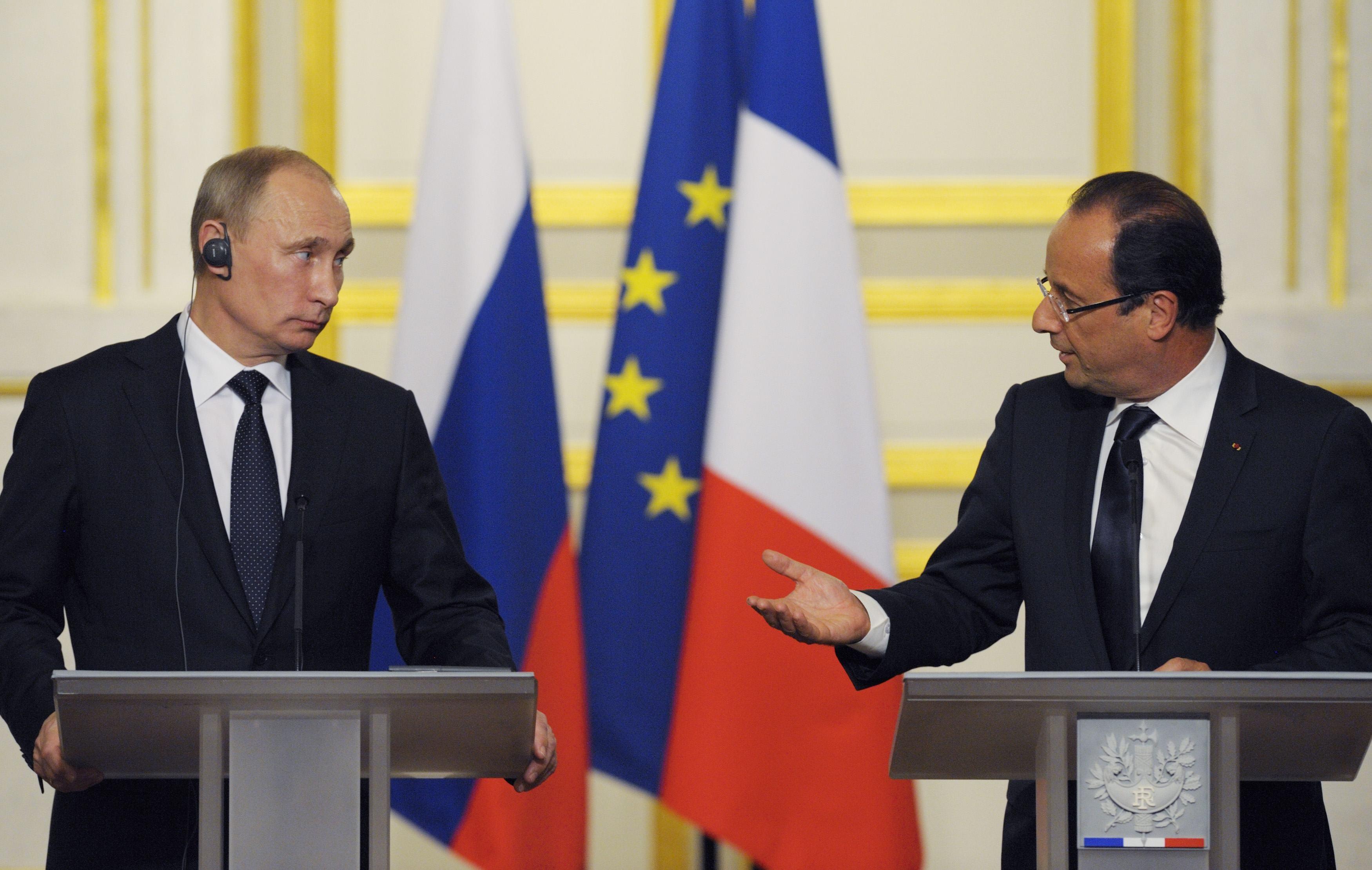 Η συνάντηση Πούτιν – Ολάντ σηματοδοτεί την δυτική στροφή απέναντι στη Ρωσία