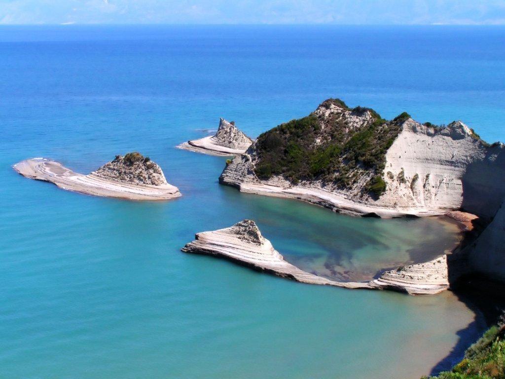 Миллиардер изсоедененных штатов Уоррен Баффет купил остров вГреции