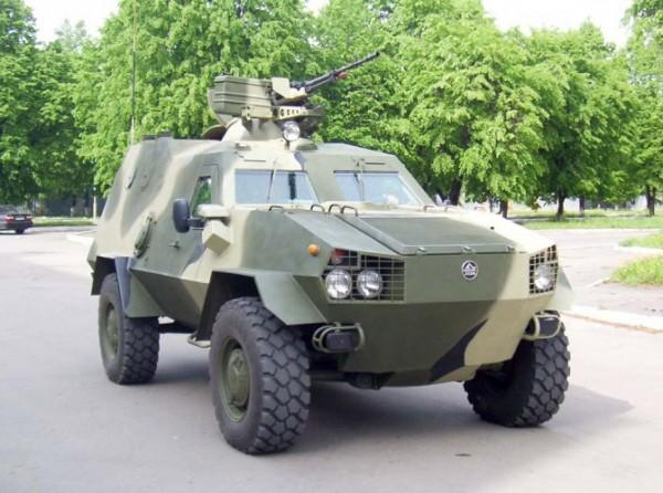 Российские создатели обсмеяли новую украинскую бронемашину «Дозор-Б»
