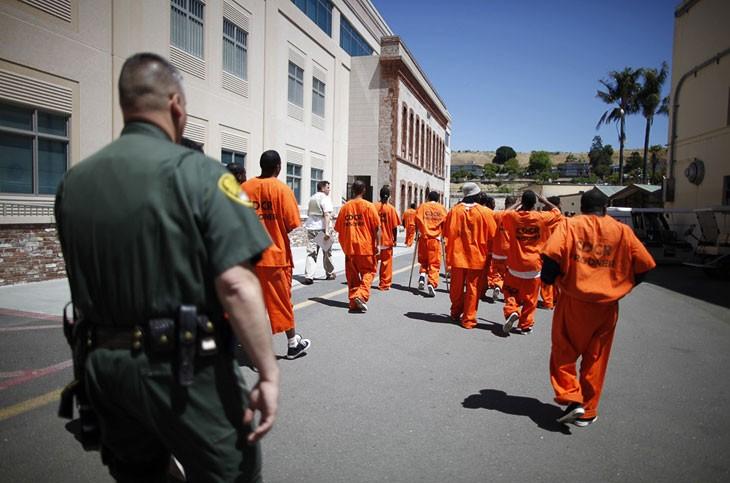США: бунт в Калифорнийской тюрьме