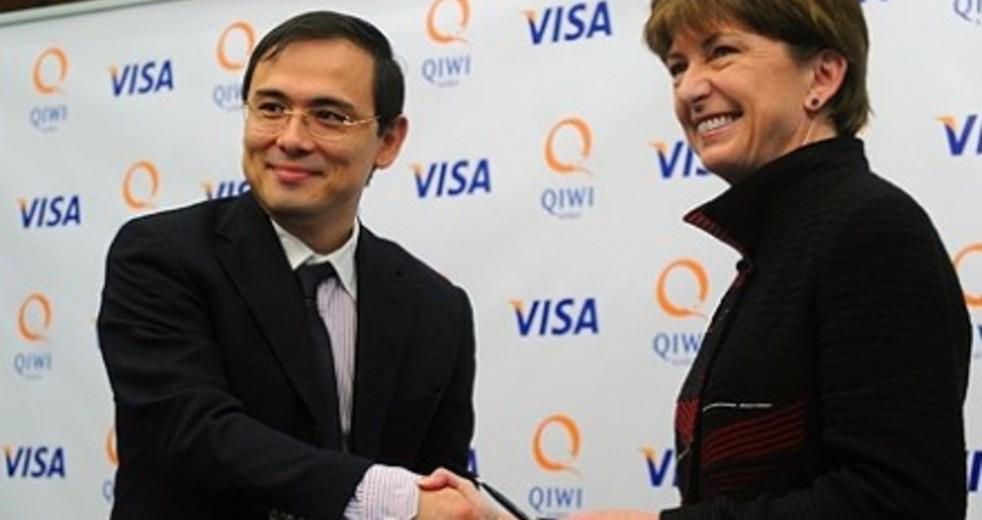 Qiwi и Visa запустили сервис оплаты при помощи смартфона