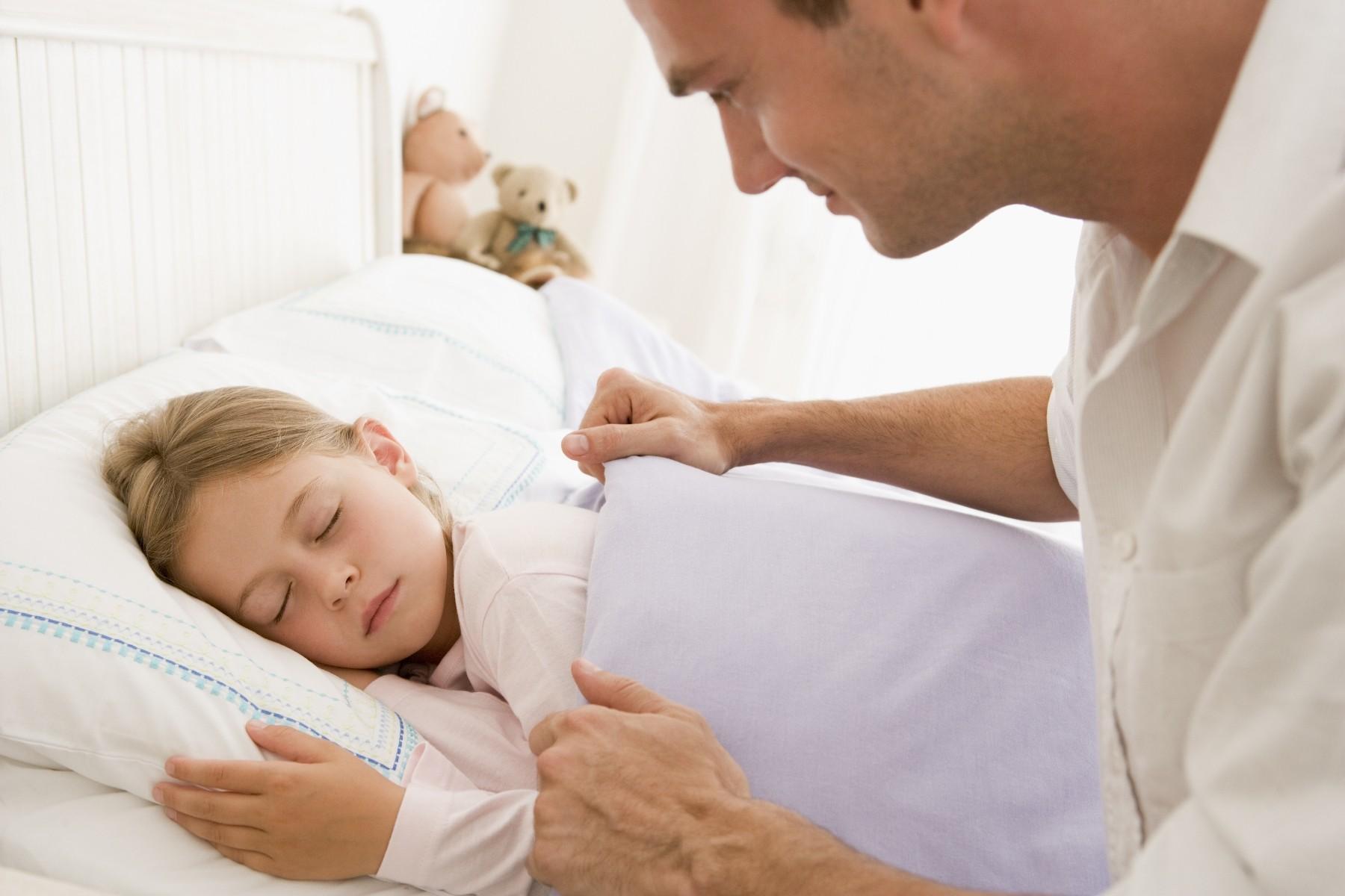 Спать с дочкой 5 фотография