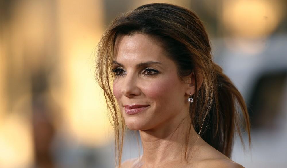 51-летняя актриса Сандра Буллок завела роман с моделью