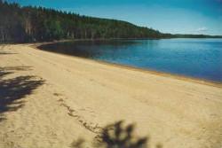 Многие крупнейшие на картах Самары пляжи приходится очищать от мусора