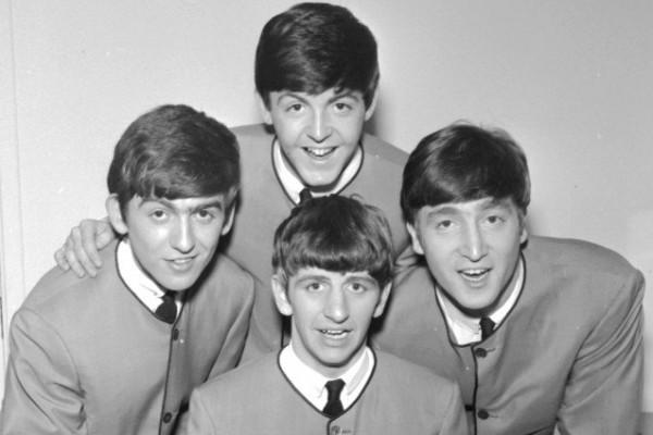 Первый контракт легендарной группы «The Beatles» будет выставлен на аукционе