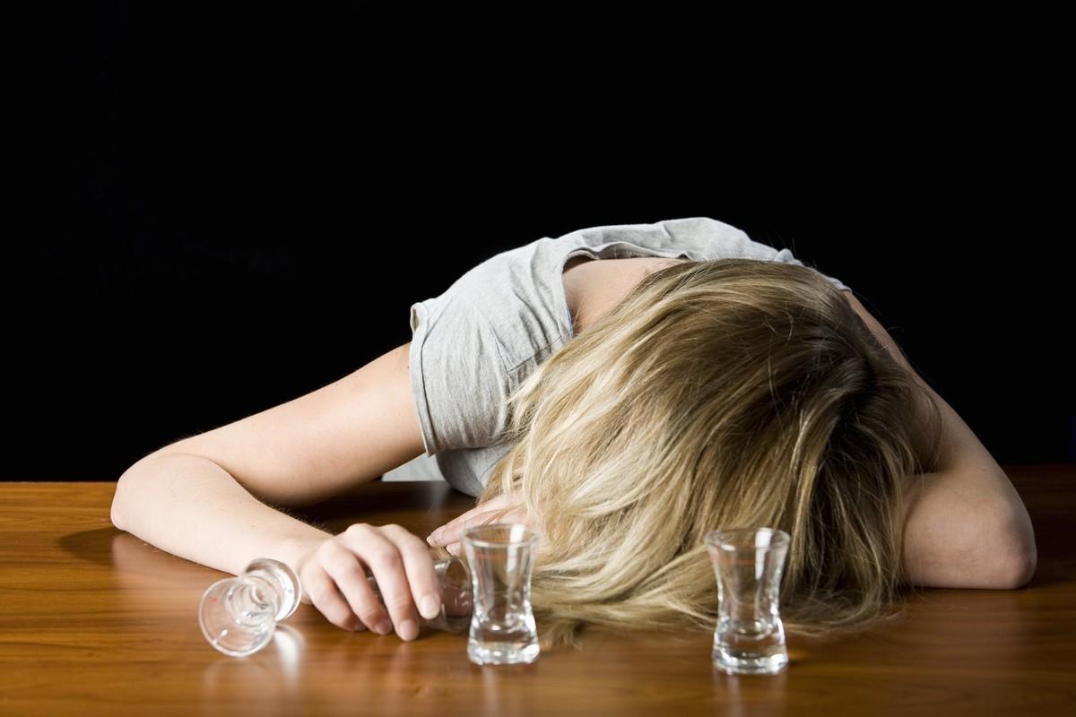 Пьяная японская девочка 25 фотография