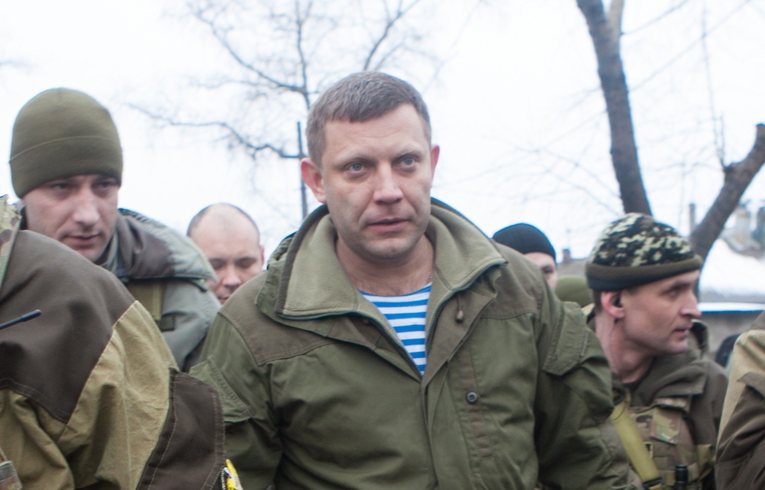 Александр Захарченко попал под артиллерийский обстрел