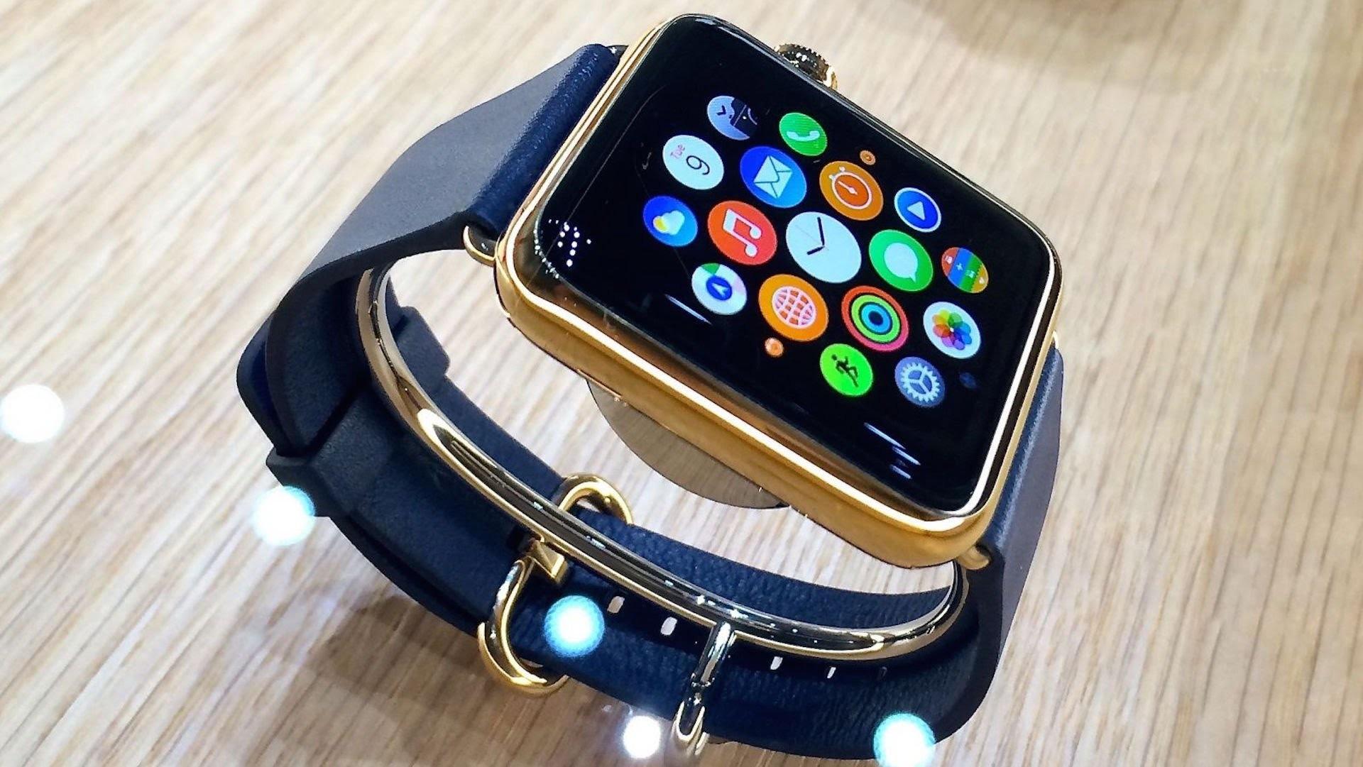 Мессенджер Facebook стал доступен для Apple Watch