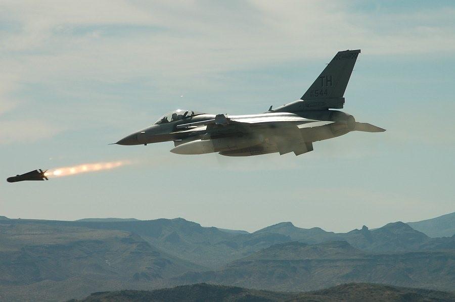 Турция произвела ряд авиаударов по позициям курдских боевиков