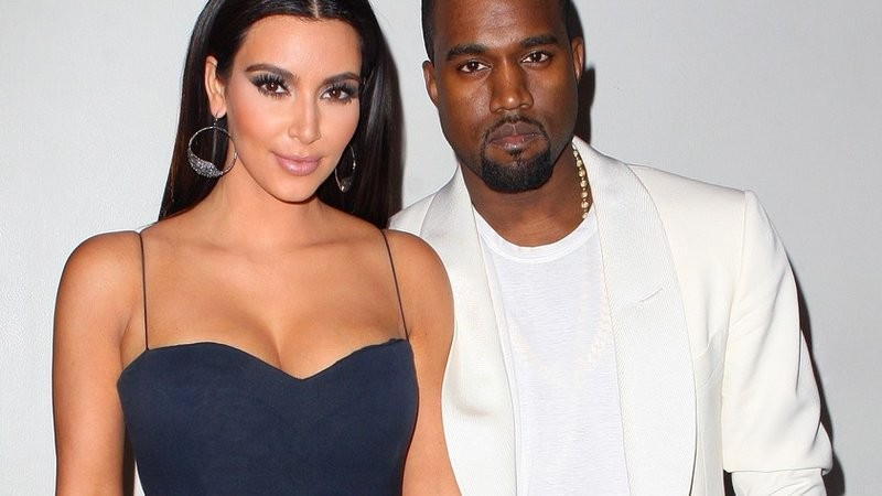 На юбилей Ким Кардашьян Канье Уэст подарил лифчик за 5 млн долларов