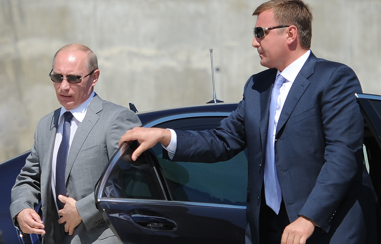 СМИ В Москве планируют начать сборку лимузинов для первых лиц государства