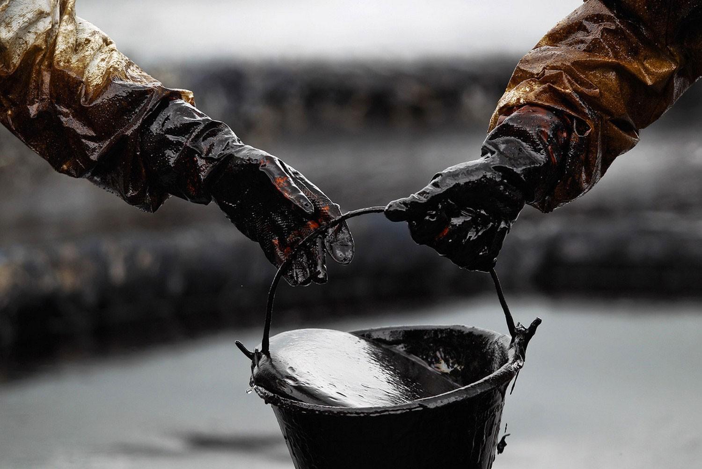 Стоимость нефти на интернациональной бирже падает до $46,79 за баррель