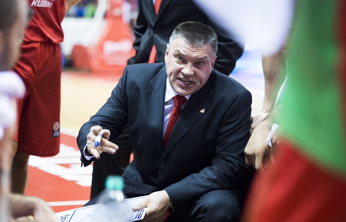 Пашутин покинул пост главного тренера сборной РФ по баскетболу