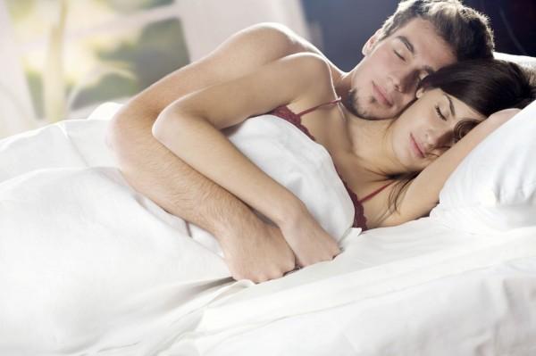 Сон парень с девушкой вдвоем