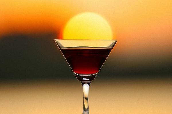Голландские ученые создали напиток избавляющий от застенчивости