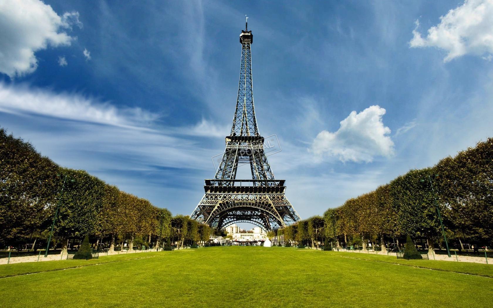 Эйфелева башня вновь начнет принимать посетителей