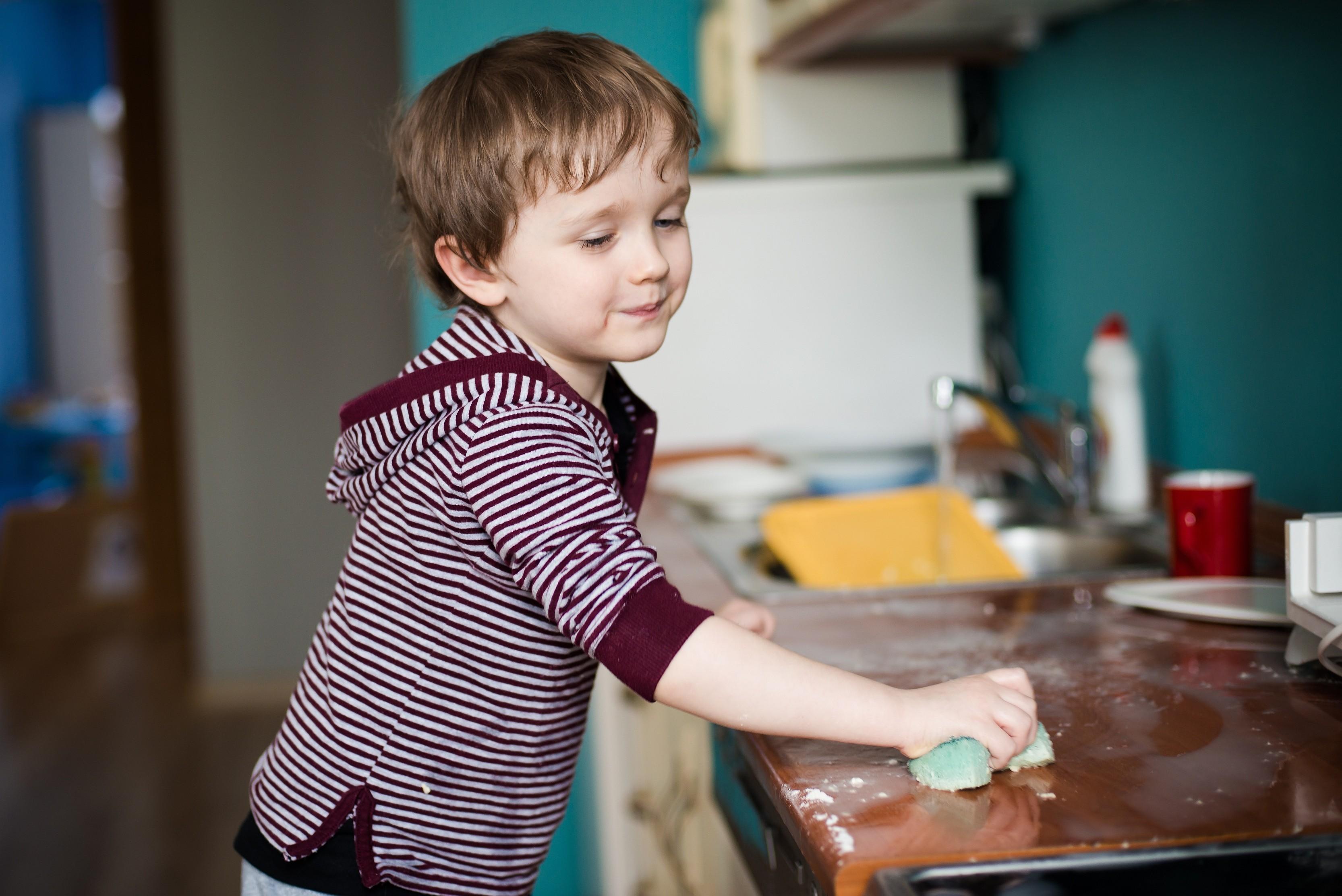 Уработающих мам вырастают заботливые сыновья иуспешные дочери— Ученые
