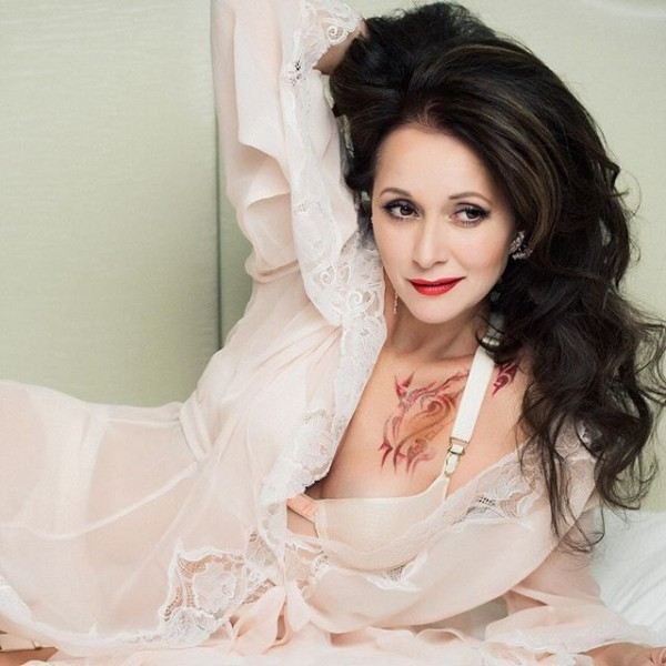 Актриса Ольга Кабо снялась в откровенной рекламе нижнего белья