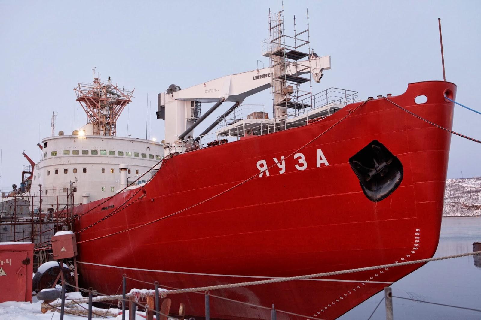 Турецкая субмарина «встретила» корабль ВМФРФ вДарданеллах