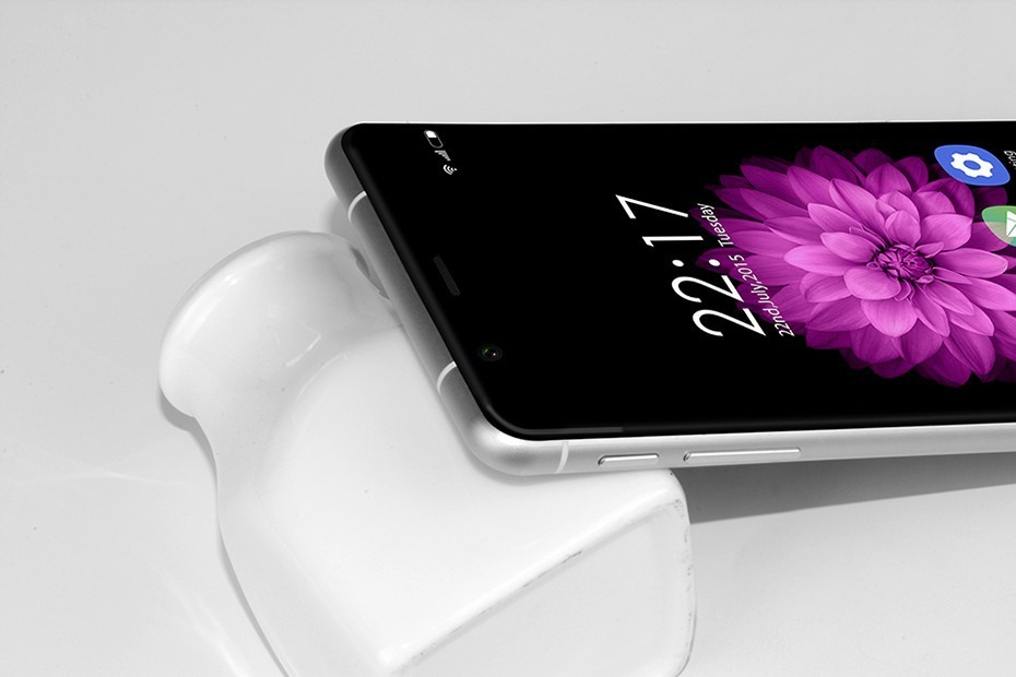 Oukitel выпустил в продажу смартфон K10000 с самой ёмкой батареей в мире