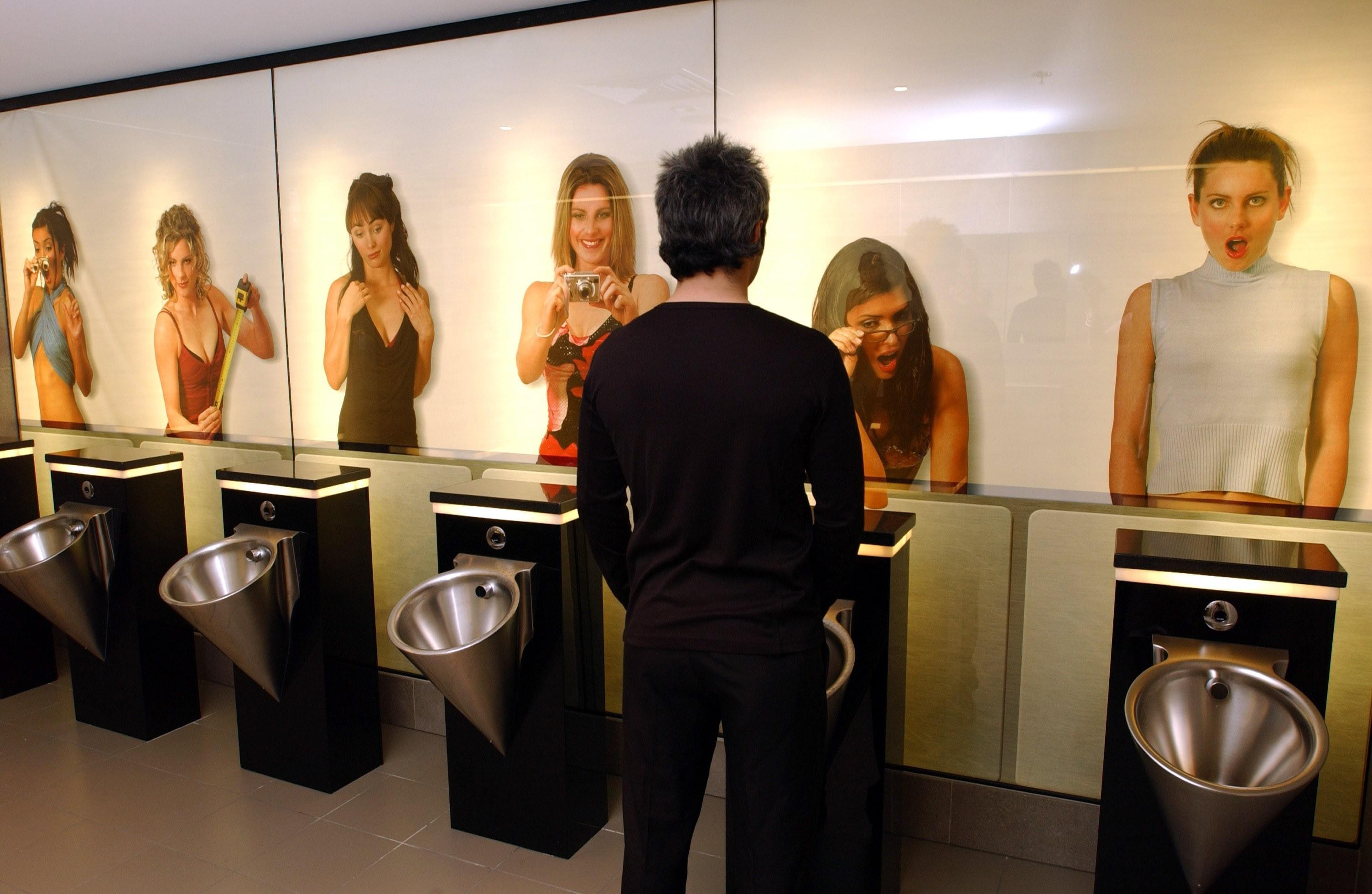 Секс в туалетной кабины 17 фотография