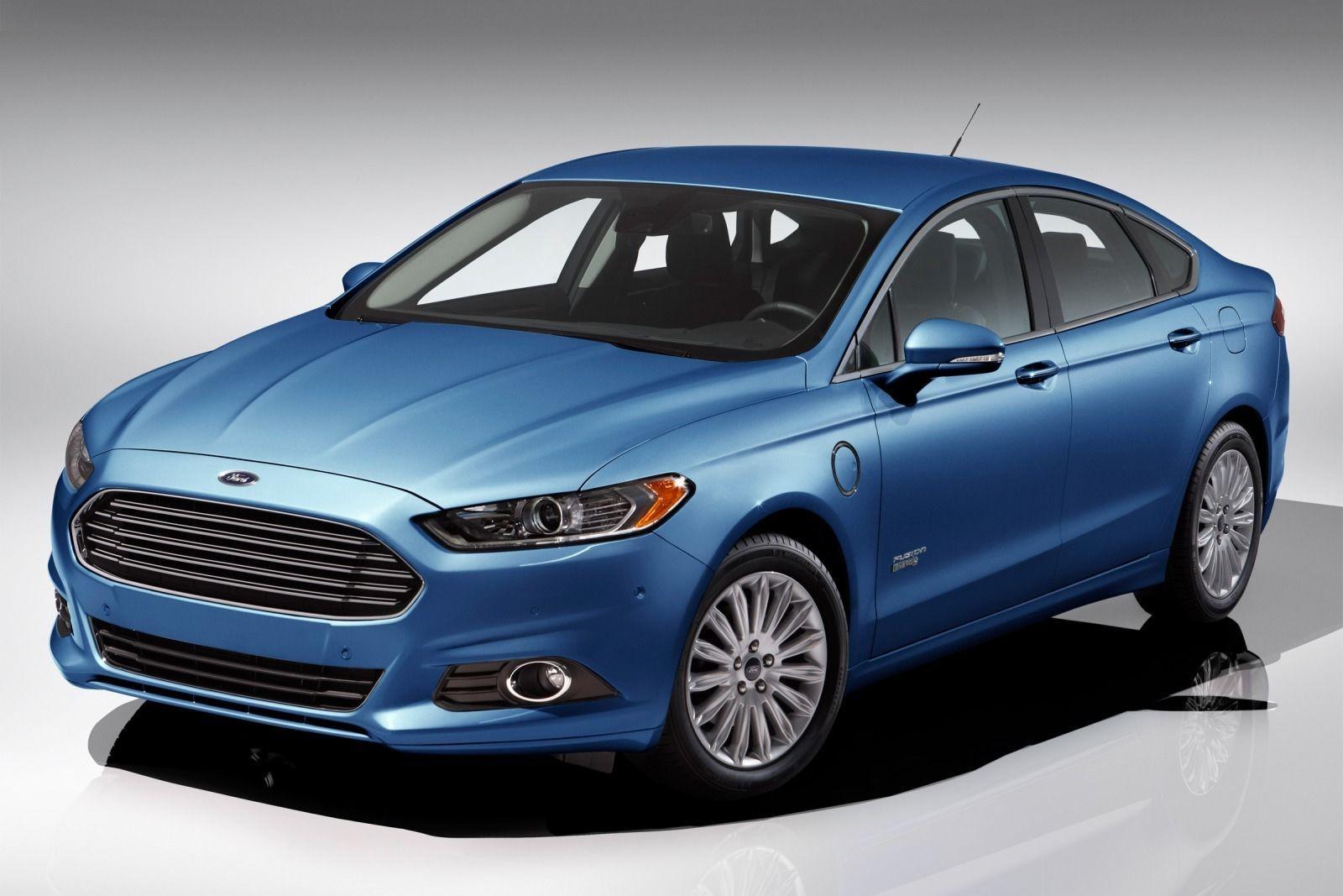 В Детройте пройдет официальный дебют обновленного Ford Fusion