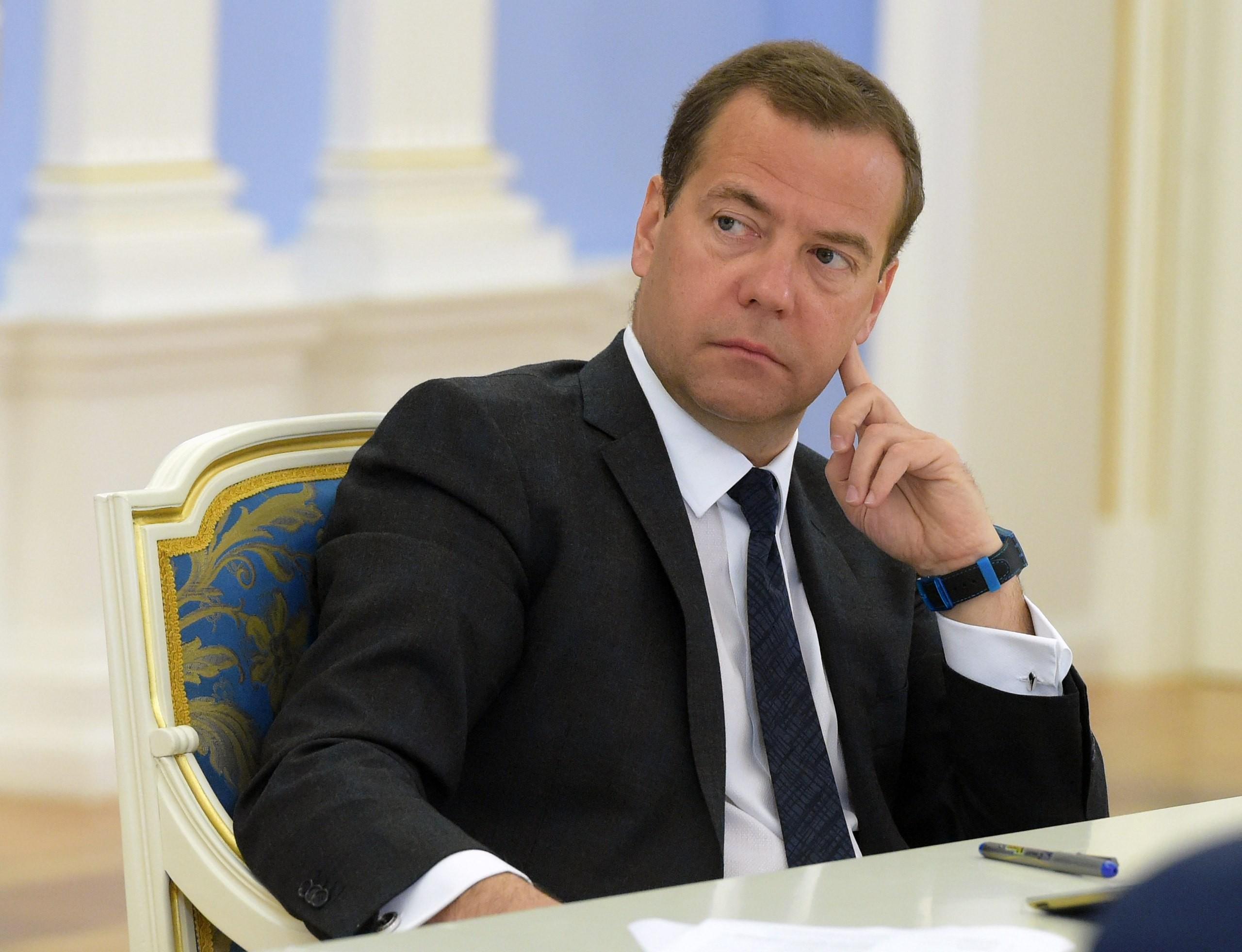 Медведев допустил возможность разрыва дипотношений с Украиной