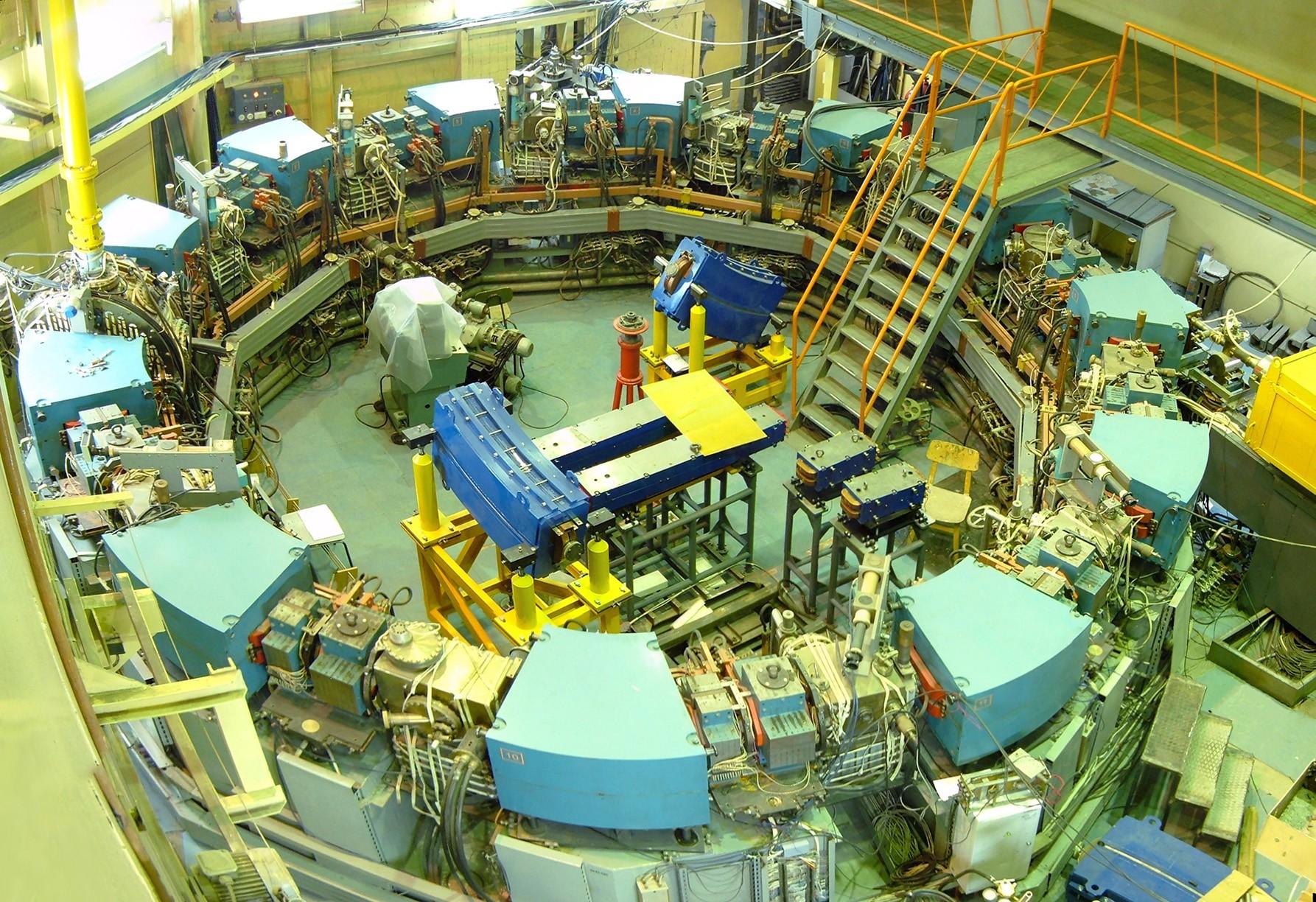 Российские физики запустили в Новосибирске первую очередь нового электрон-позитронного коллайдера