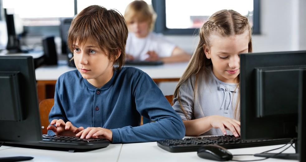 Совет ЕС запретит школьникам регистрироваться в соцсетях