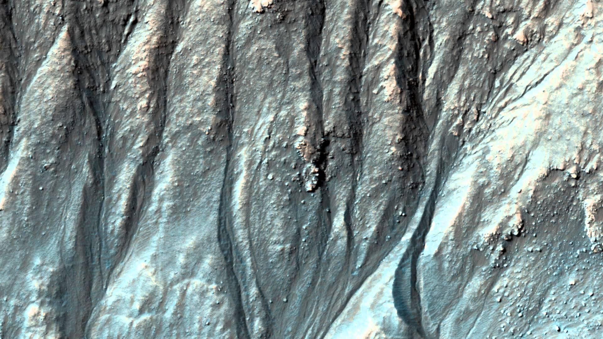 Ученые Овраги на Марсе образовались в результате таяния углекислого газа а не воды