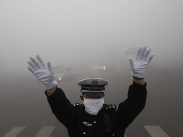 В Китае отменили «красный» уровень экологической тревоги