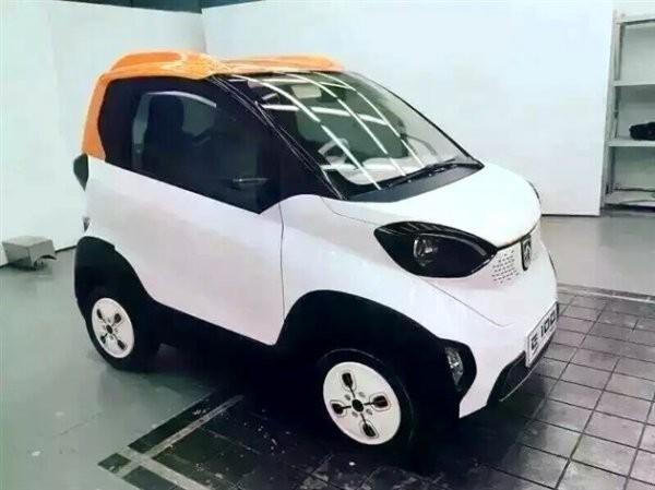 В сети появились первые снимки электромобиля Baojun E100