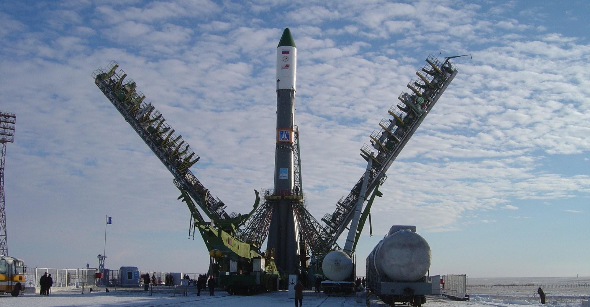 Спутники для первого пуска с Восточного доставлены в Благовещенск