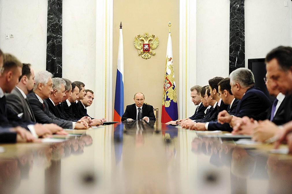 СМИ Путин обсудил с правительством РФ антикризисный план Минэкономразвития