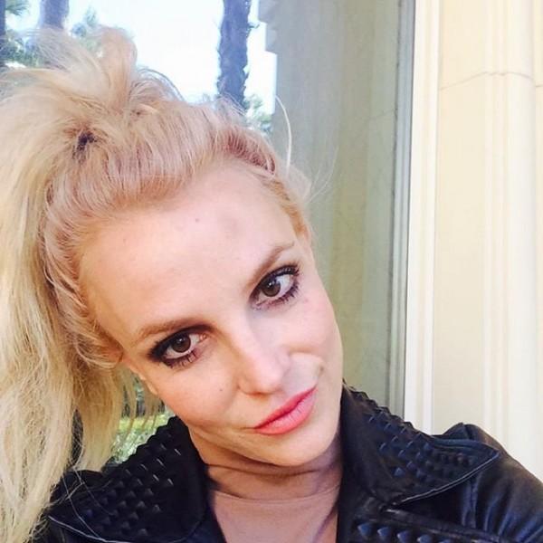 Бритни Спирс ударилась головой о танцевальный шест