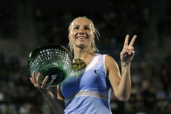 Кузнецова разгромила Пуиг в финале турнира WTA в Сиднее