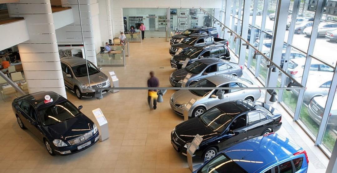 Число автосалонов в России сократилось на 7% впервые с 2009 года
