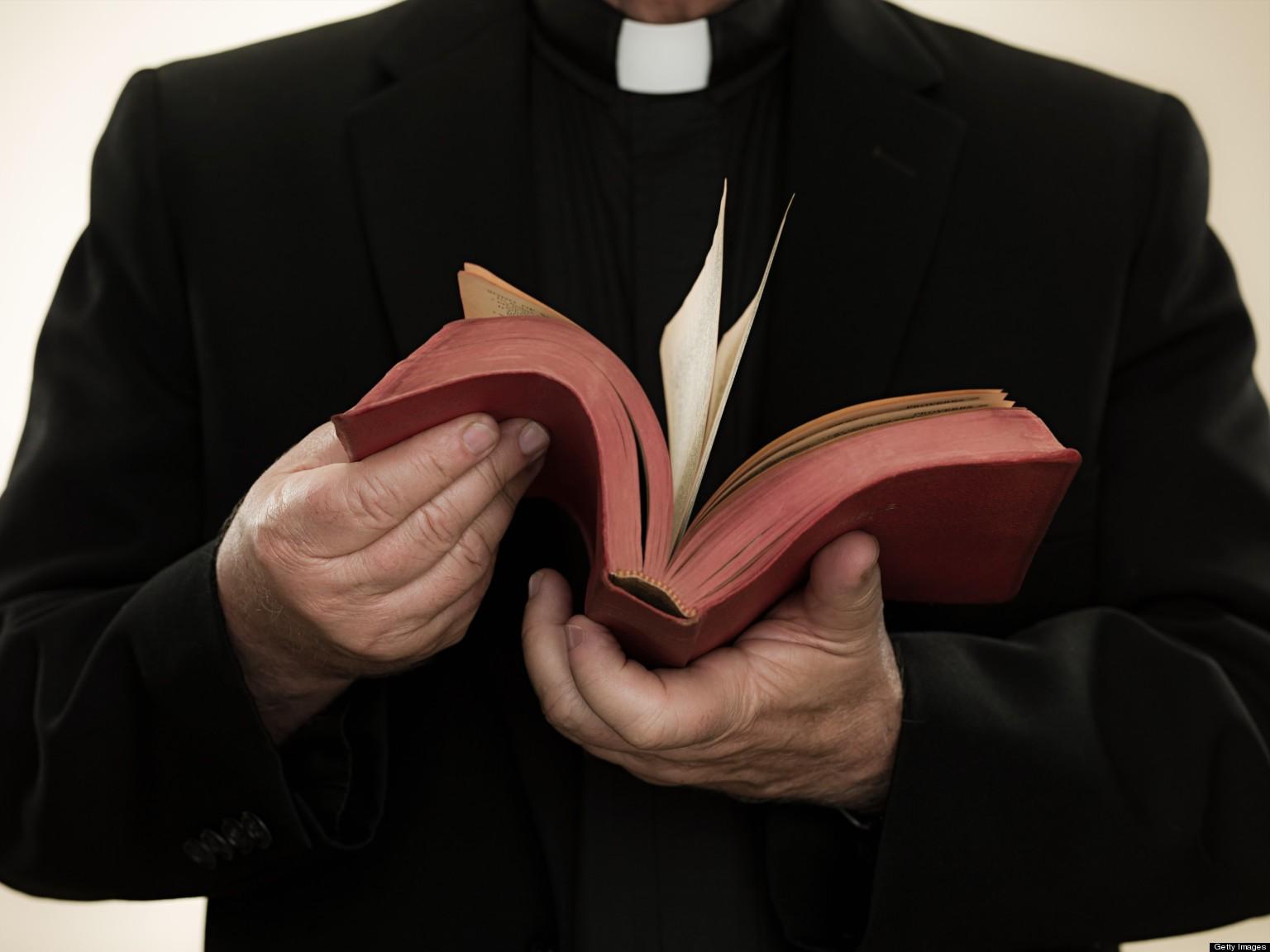 Итальянский священник наворовал напожертвованиях иблаготворительности 30 млн. евро
