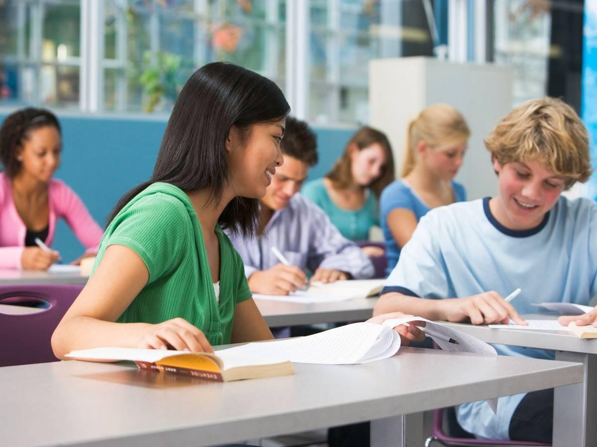 Социологи Время суток влияет на результаты экзаменов