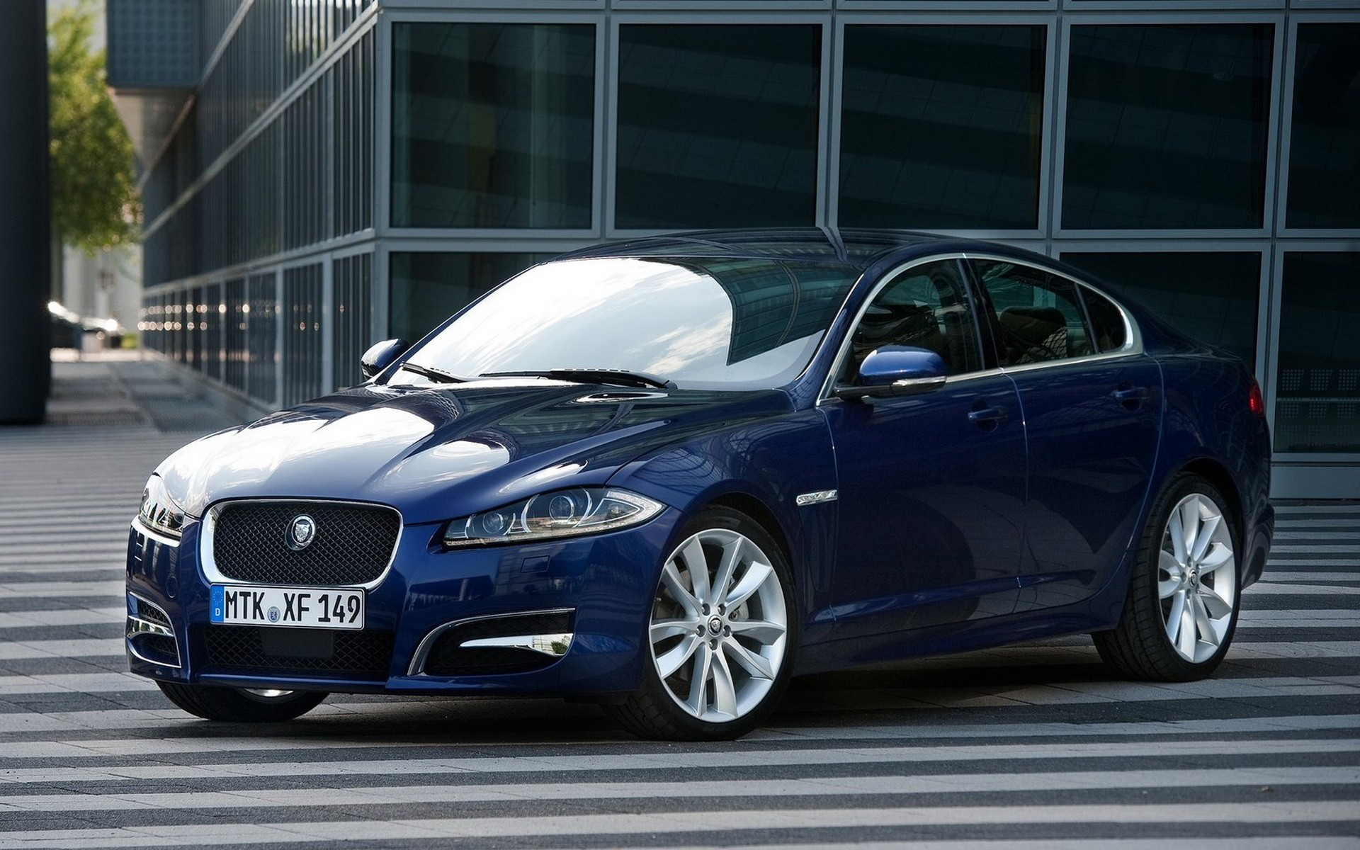 Jaguar XF будет обновлен к 2017 модельному году