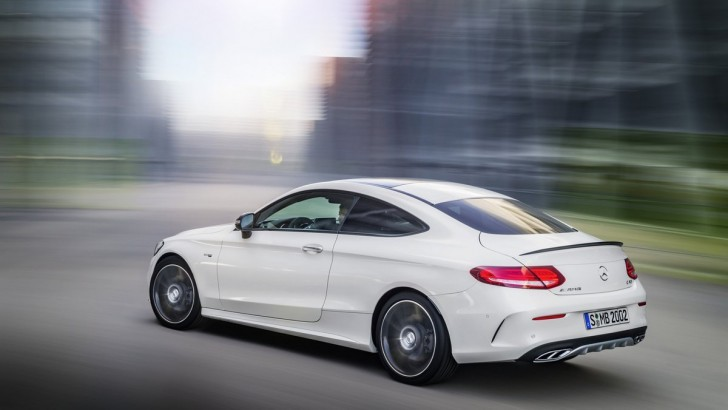Mercedes показал новое купе C43