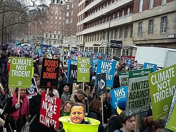 Граждане Лондона собрались намитинг против системы Trident